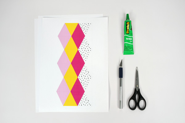 Scopri come realizzare questi flexagoni fruttati e aciduli, un inevitabile gioco di carta pieghevole per divertire tutti i piccoli golosi!