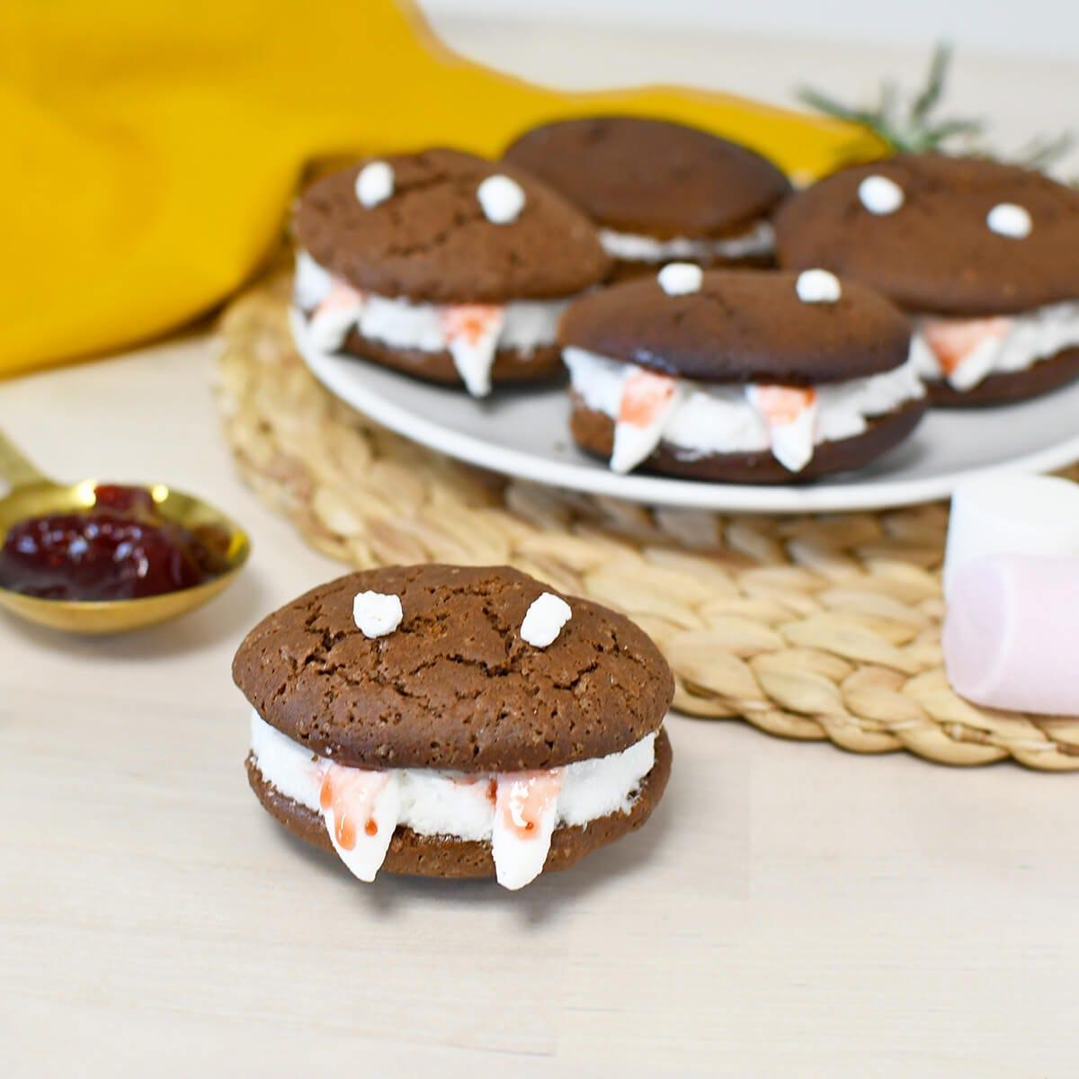 È presto Halloween : realizzate questi terrificanti biscotti Vampiri per spaventare e deliziare piccoli e grandi.