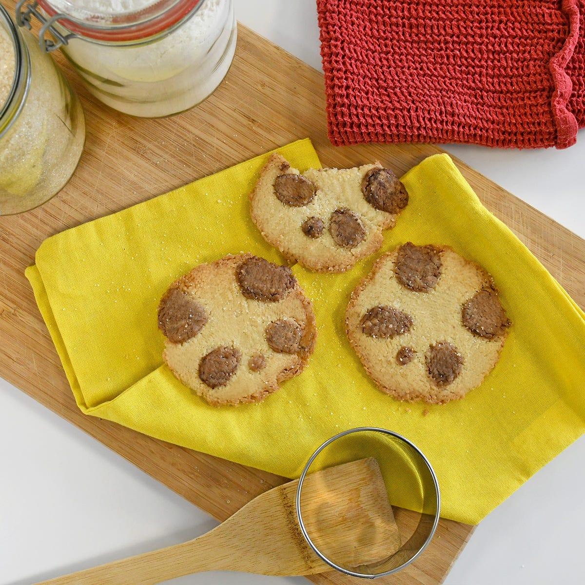 Sorprendete grandi e piccini con i biscotti di pastafrolla a forma di panda!