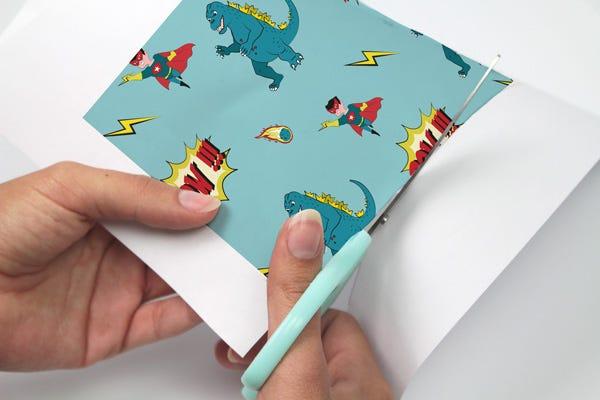 Riciclate i vostri barattoli di latta e create dei portamatite a fumetti per organizzare le scrivanie dei vostri bimbi !