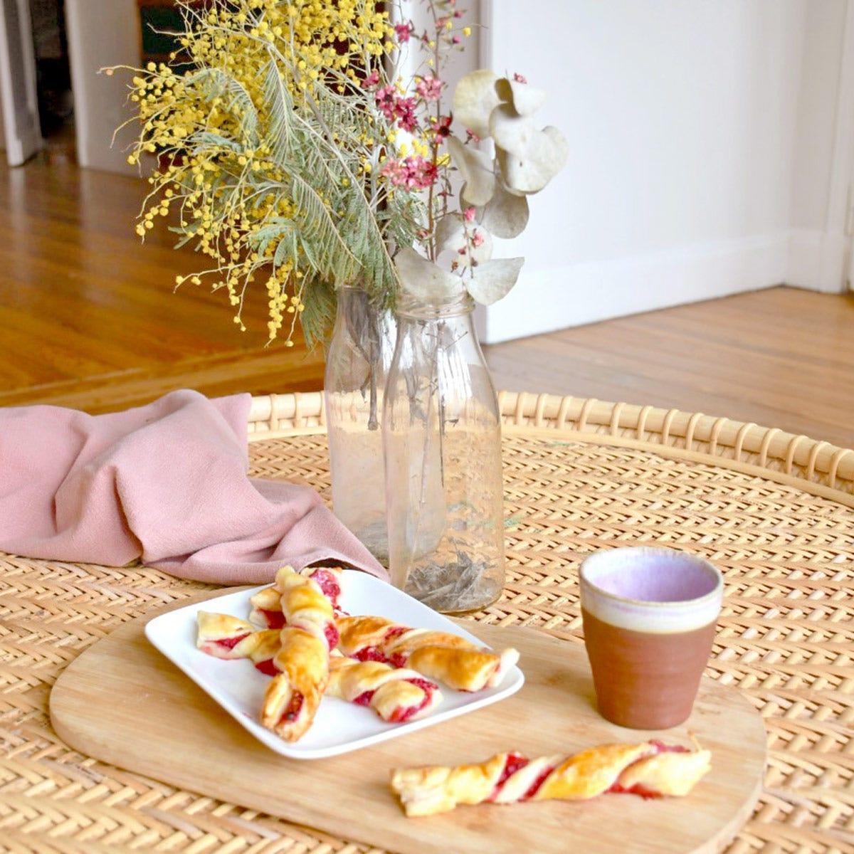 Una ricetta per gli amanti dei frutti rossi, le nostre trecce di pasta sfoglia vi stupiranno!